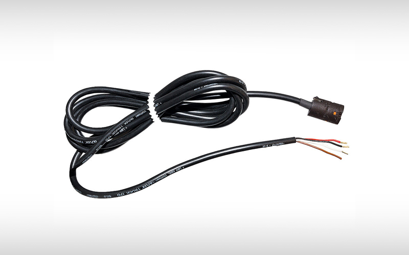Pluggable cable